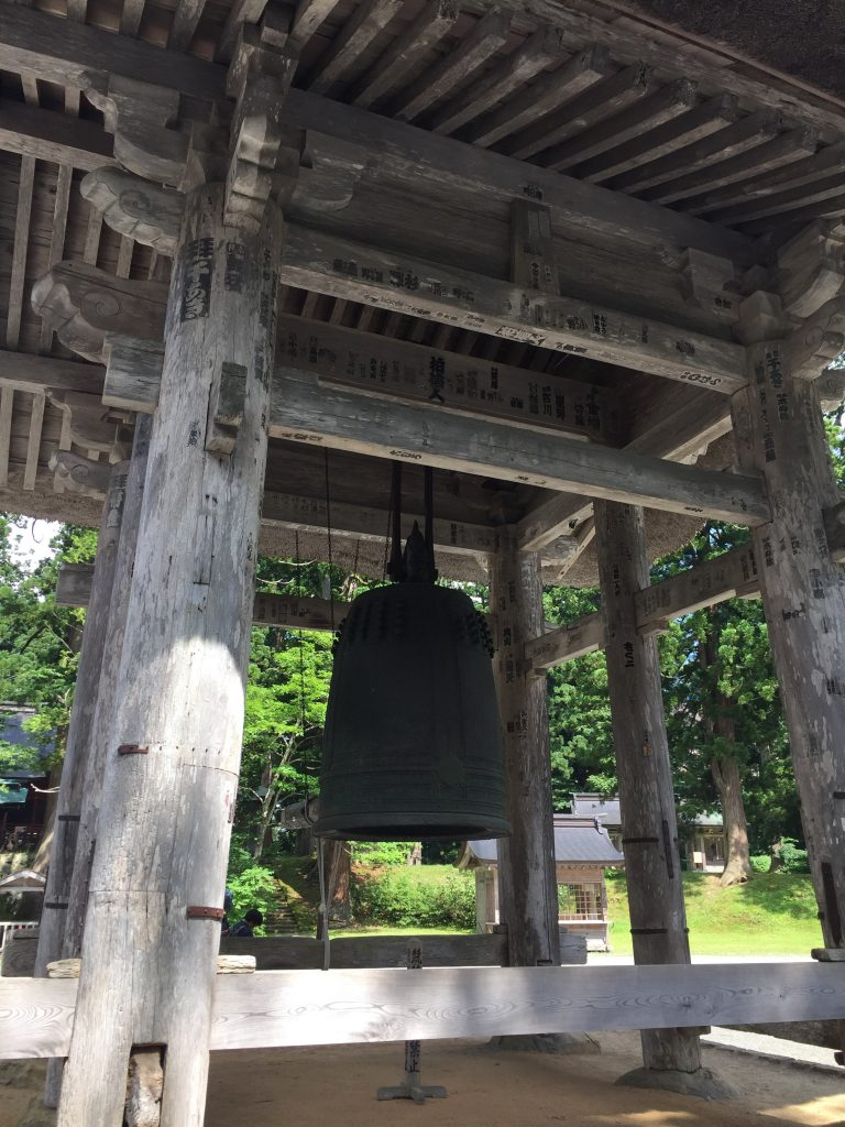 羽黒山 重要文化財 鐘楼 大鐘