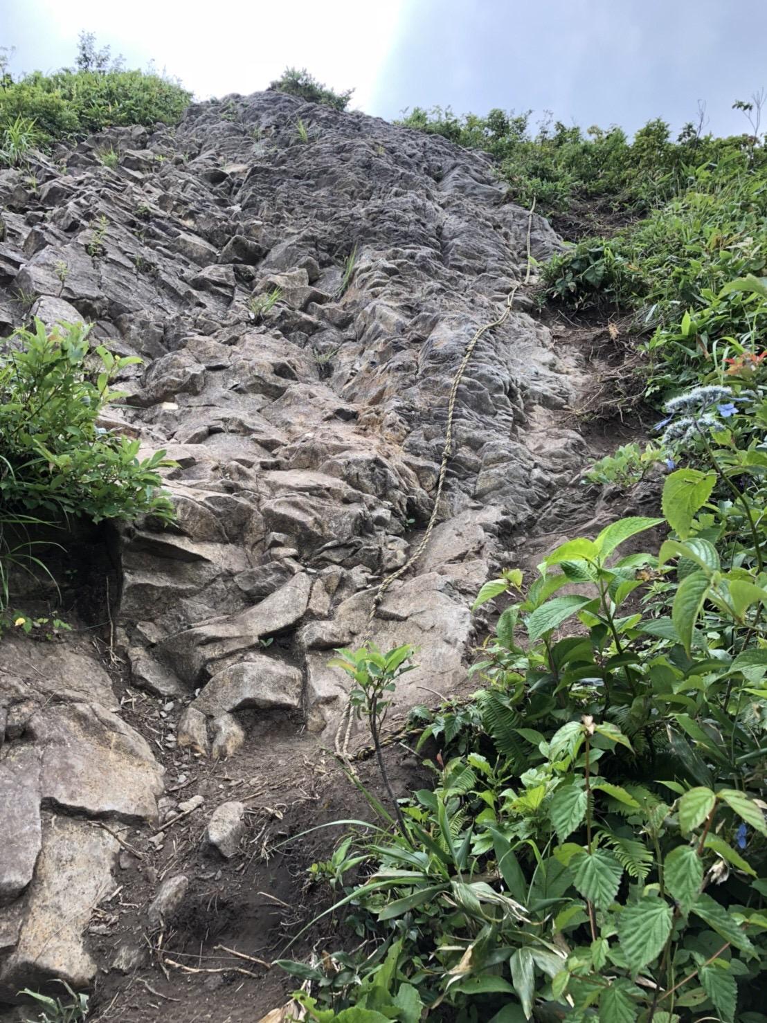 山形神室岳 山形百名山 ハマグリ山 岩場