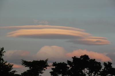レンズ雲 笠雲