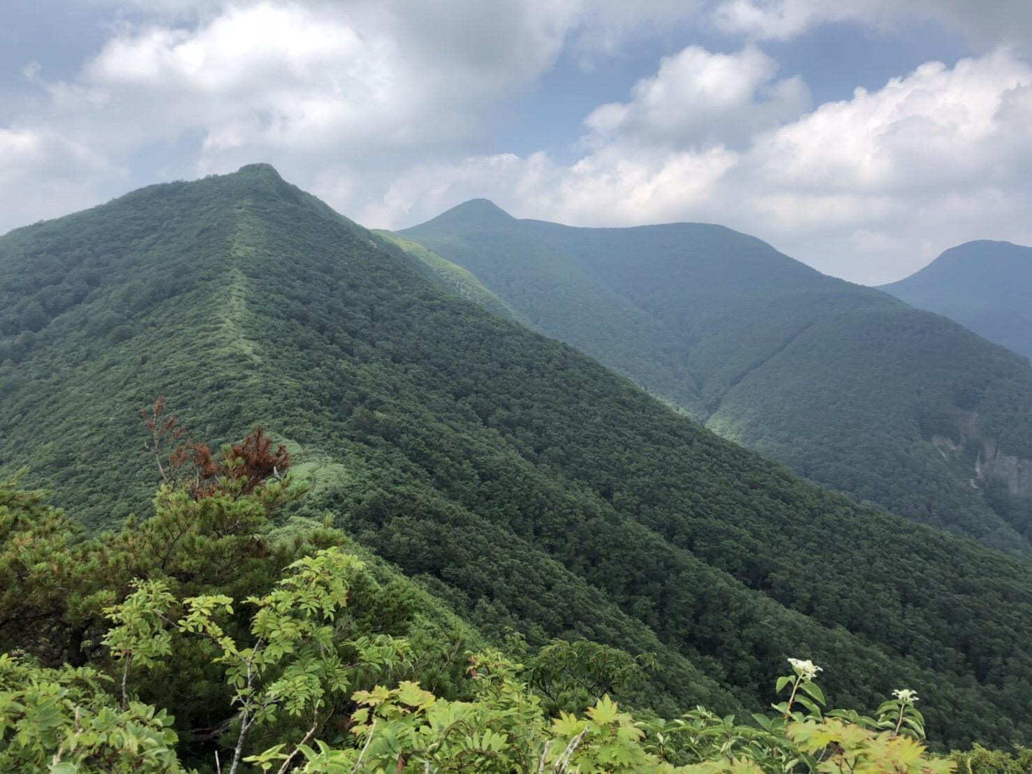 山形神室岳 山形百名山 トンガリ山