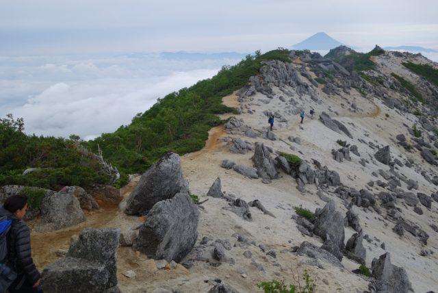 鳳凰山 日本百名山 稜線 尾根