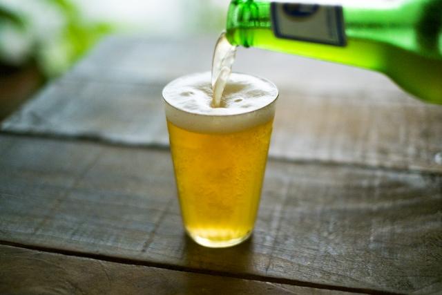 山小屋でビールやお酒を飲むのはNG?高山でのアルコールが危険な理由